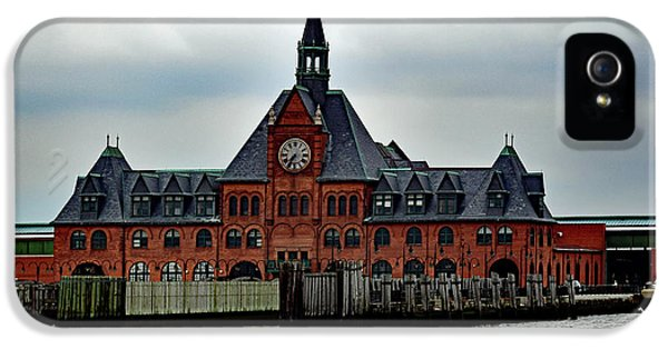 Ellis Island No. 49 IPhone 5 / 5s Case by Sandy Taylor