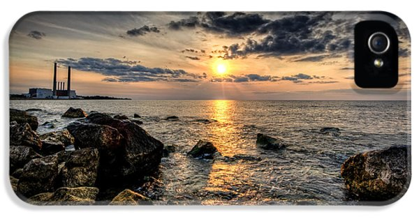Oswego iPhone 5 Cases - End of the day iPhone 5 Case by Everet Regal