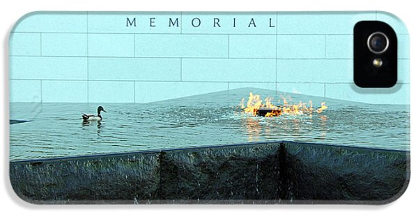 President Barack Obama Photographs iPhone 5 Cases - Eternal Flame At Disabled American Veterans Memorial iPhone 5 Case by Cora Wandel