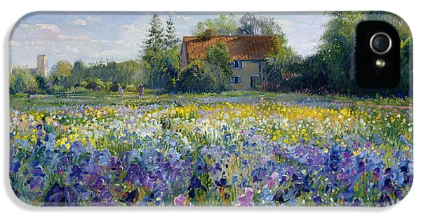 Evening At The Iris Field IPhone 5 / 5s Case by Timothy Easton