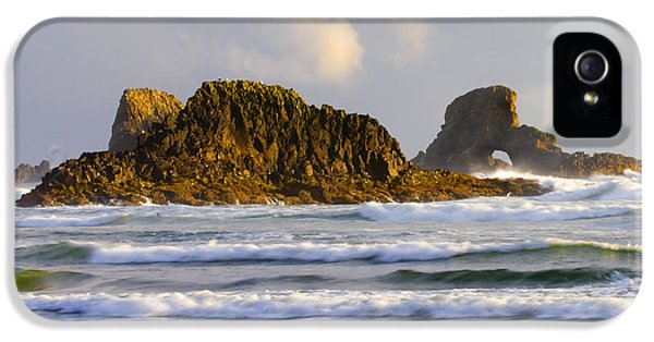 Oregon Coast iPhone 5 Cases - Eye of the Storm iPhone 5 Case by Mike  Dawson