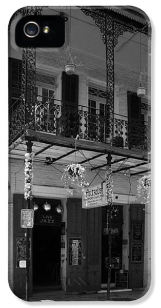 Fritzel's European Jazz Pub In Black And White IPhone 5 / 5s Case by Chrystal Mimbs