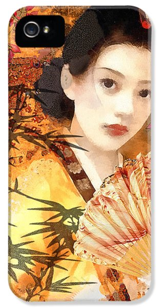 Mo T iPhone 5 Cases - Geisha with Fan iPhone 5 Case by Mo T