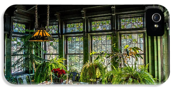 Glensheen Mansion Breakfast Room IPhone 5 / 5s Case by Paul Freidlund