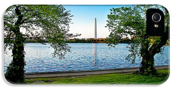 Declaration Of Independance iPhone 5 Cases - Guardians of Washington iPhone 5 Case by Greg Fortier