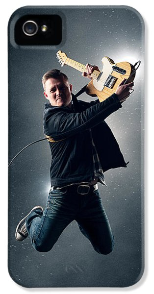 Guitarist Jumping High IPhone 5 / 5s Case by Johan Swanepoel