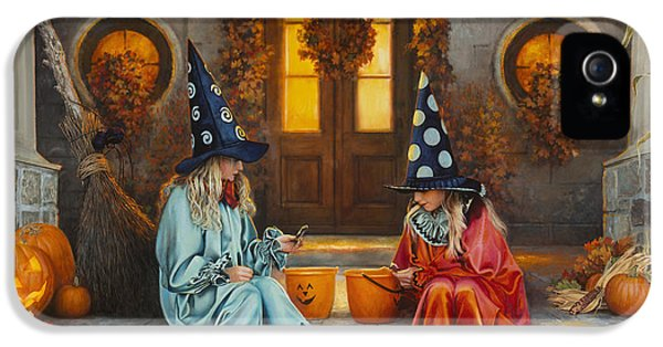 Halloween Sweetness IPhone 5 / 5s Case by Greg Olsen