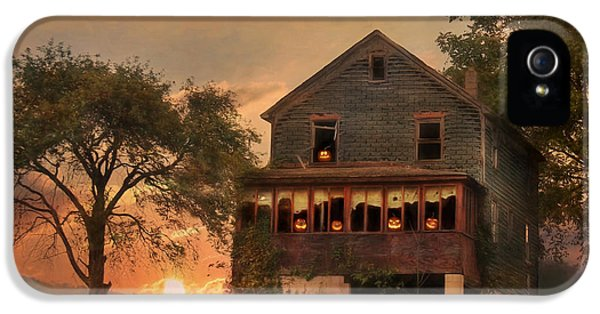 Haunted Houses iPhone 5 Cases - Haunted House iPhone 5 Case by Lori Deiter