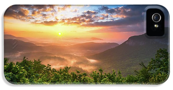 Highlands Sunrise - Whitesides Mountain In Highlands Nc IPhone 5 / 5s Case by Dave Allen