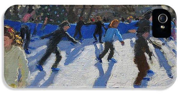 Ice Skaters At Christmas Fayre In Hyde Park  London IPhone 5 / 5s Case by Andrew Macara