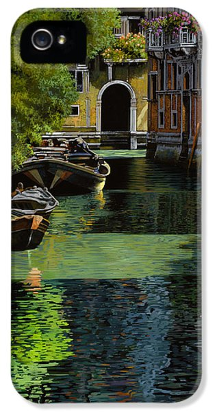 History iPhone 5 Cases - il palo rosso a Venezia iPhone 5 Case by Guido Borelli