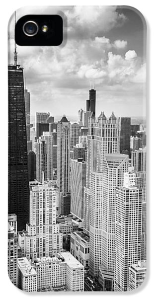 John Hancock Building In The Gold Coast Black And White IPhone 5 / 5s Case by Adam Romanowicz