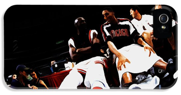 Pippen iPhone 5 Cases - Jordan and Pippen Last Stand iPhone 5 Case by Brian Reaves