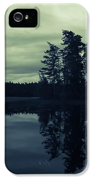 Lake By Night IPhone 5 / 5s Case by Nicklas Gustafsson