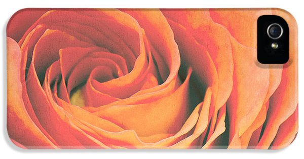 Le Petale De Rose IPhone 5 / 5s Case by Angela Doelling AD DESIGN Photo and PhotoArt