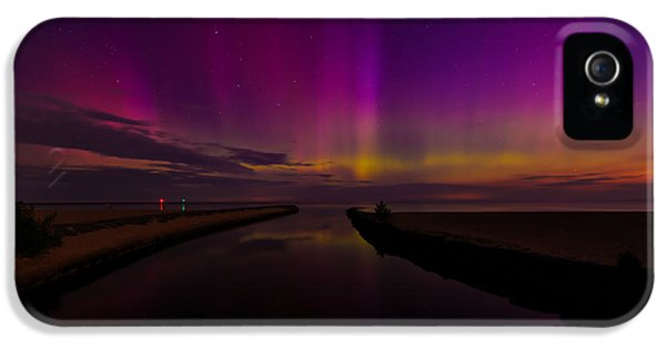 Oswego iPhone 5 Cases - Lights on the Lake iPhone 5 Case by Everet Regal