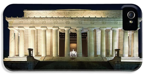 Lincoln Memorial At Twilight IPhone 5 / 5s Case by Andrew Soundarajan