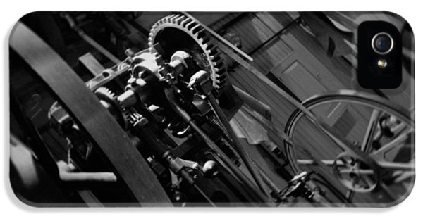 National Museum Of America History iPhone 5 Cases - Machinery Industry iPhone 5 Case by Kyle Hanson