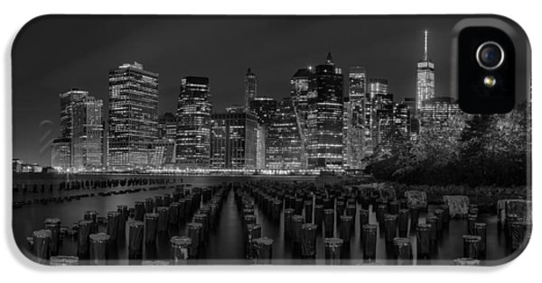 Water iPhone 5 Cases - Manhattan and the Brooklyn Pileons in Black and White iPhone 5 Case by Andres Leon