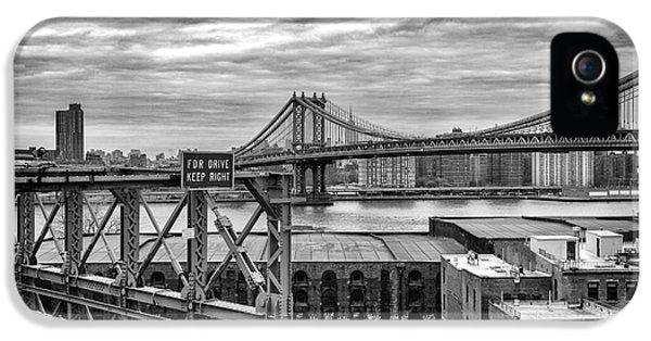 Manhattan Bridge IPhone 5 / 5s Case by John Farnan