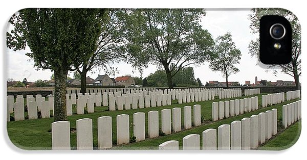 IPhone 5 / 5s Case featuring the photograph Messines Ridge British Cemetery by Travel Pics