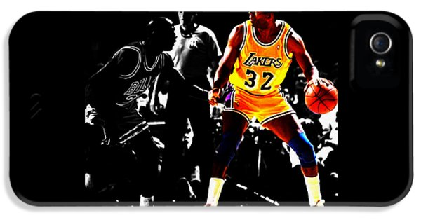 Michael Jordan And Magic Johnson IPhone 5 / 5s Case by Brian Reaves
