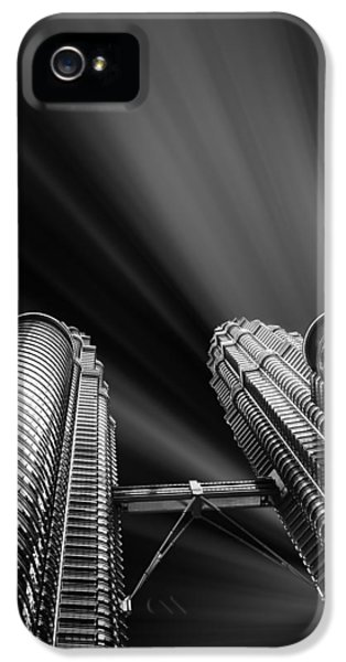 Point Of View iPhone 5 Cases - Modern skyscraper black and white picture iPhone 5 Case by Stefano Senise