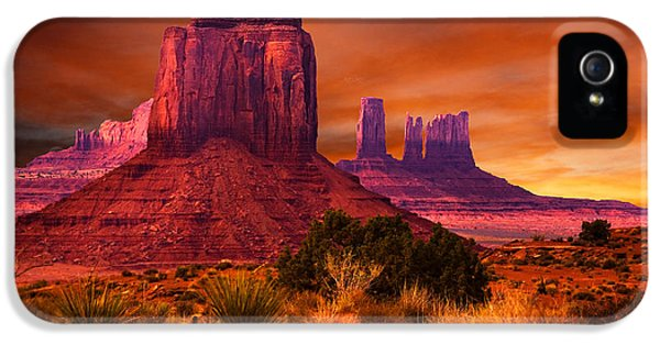 Monument iPhone 5 Cases - Monument Valley Sunset iPhone 5 Case by Harry Spitz