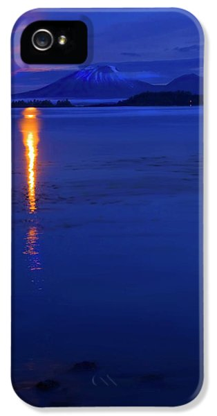 Moonrise iPhone 5 Cases - Moon Rise over Mt. Edgecumbe iPhone 5 Case by Mike  Dawson