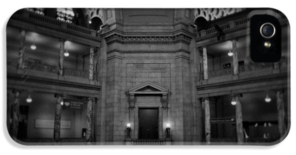 National Museum Of America History iPhone 5 Cases - National Museum of Natural History Rotunda BW iPhone 5 Case by Kyle Hanson