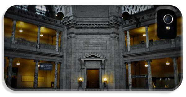 National Museum Of America History iPhone 5 Cases - National Museum of Natural History Rotunda iPhone 5 Case by Kyle Hanson