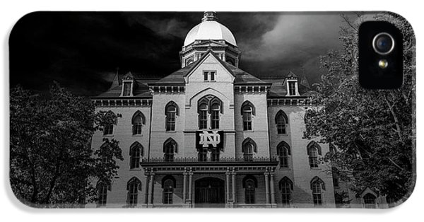 Notre Dame University Black White 3a IPhone 5 / 5s Case by David Haskett