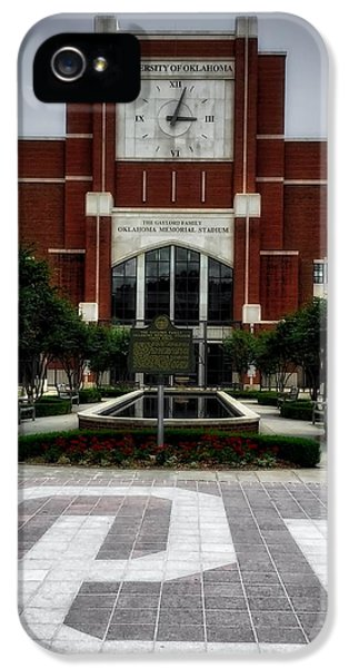 Oklahoma Memorial Stadium IPhone 5 / 5s Case by Center For Teaching Excellence