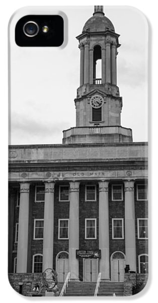 Old Main Penn State Black And White IPhone 5 / 5s Case by John McGraw