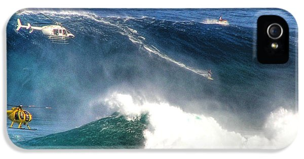 Extreme iPhone 5 Cases - Peahi Maui iPhone 5 Case by Dustin K Ryan