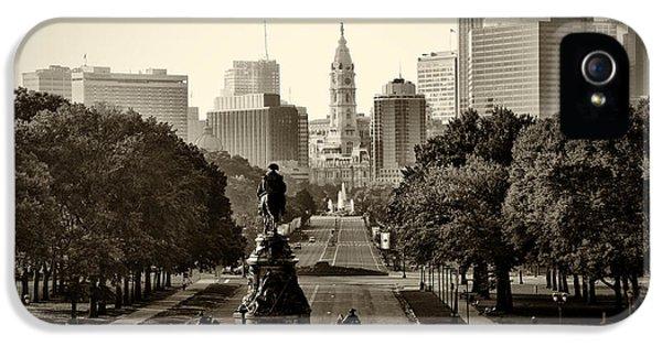 Philadelphia iPhone 5 Cases - Philadelphia Benjamin Franklin Parkway in Sepia iPhone 5 Case by Bill Cannon