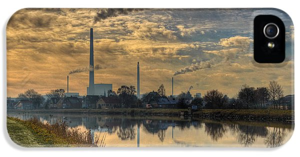 Fabrication iPhone 5 Cases - Power Plant iPhone 5 Case by Gert Lavsen