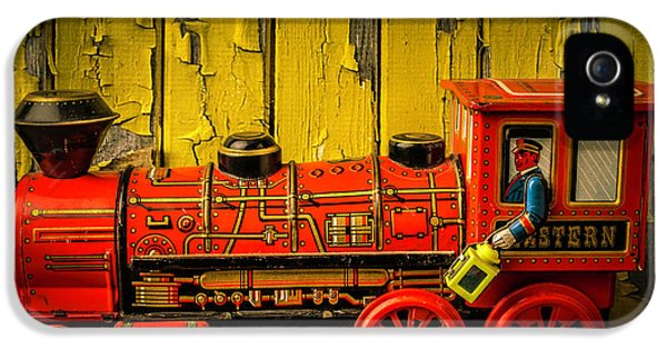 Red Western Toy Train IPhone 5 / 5s Case by Garry Gay