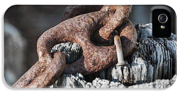 Rusty Iron Chain Railing Fragment IPhone 5 / 5s Case by Elena Elisseeva