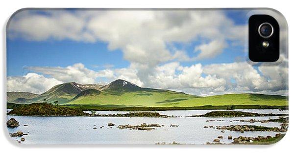 Scottish Highlands IPhone 5 / 5s Case by Sarah Coppola
