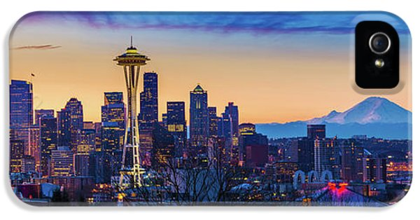 Seattle Dawn Panorama IPhone 5 / 5s Case by Inge Johnsson