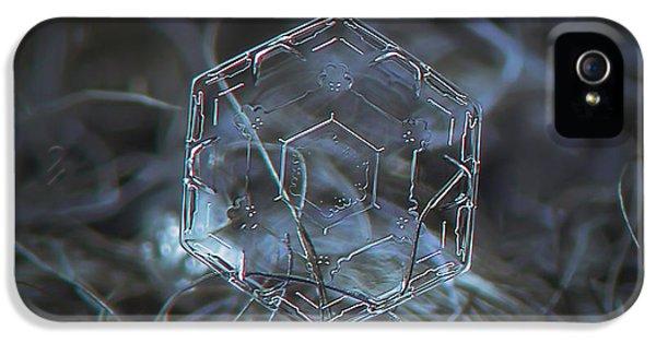 Snowflake Photo - Molten Glass IPhone 5 / 5s Case by Alexey Kljatov