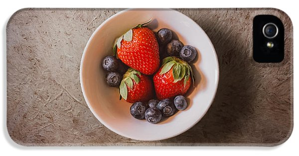 Strawberries And Blueberries IPhone 5 / 5s Case by Scott Norris