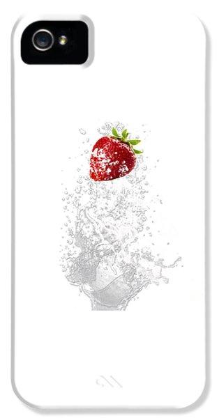 Strawberry Splash IPhone 5 / 5s Case by Marvin Blaine