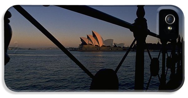 IPhone 5 / 5s Case featuring the photograph Sydney Opera House by Travel Pics