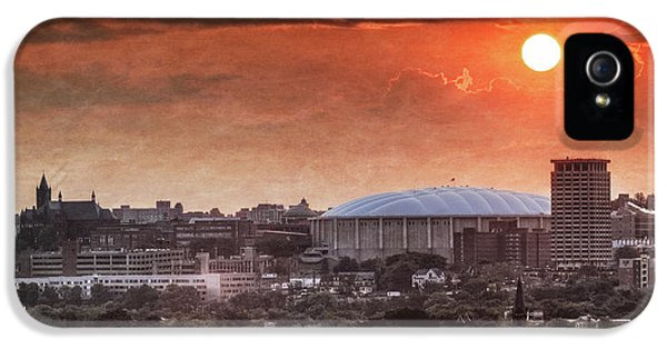 Syracuse Sunrise Over The Dome IPhone 5 / 5s Case by Everet Regal
