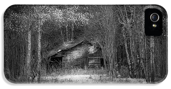 Farmland iPhone 5 Cases - That Old Barn-bw iPhone 5 Case by Marvin Spates