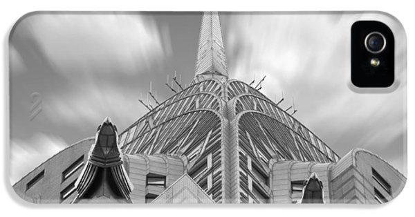 The Chrysler Building 2 IPhone 5 / 5s Case by Mike McGlothlen