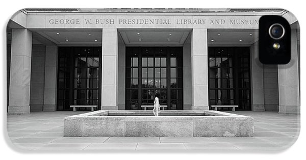 The George W. Bush Presidential Library And Museum  IPhone 5 / 5s Case by Robert Bellomy