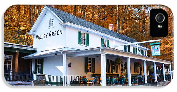 The Valley Green Inn In Autumn IPhone 5 / 5s Case by Bill Cannon